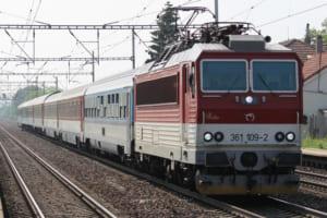 チェコとスロバキアの塗装が混じる国際列車