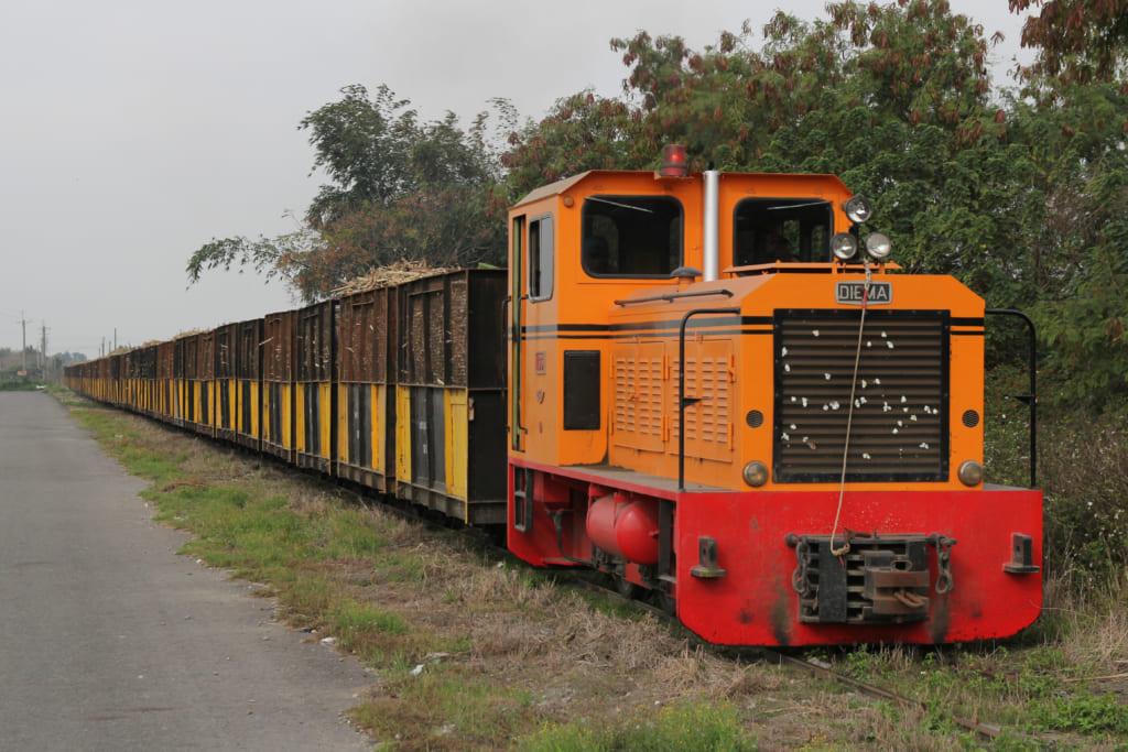 虎尾製糖工場へ向かう列車が12時頃まで撮影できる撮影地