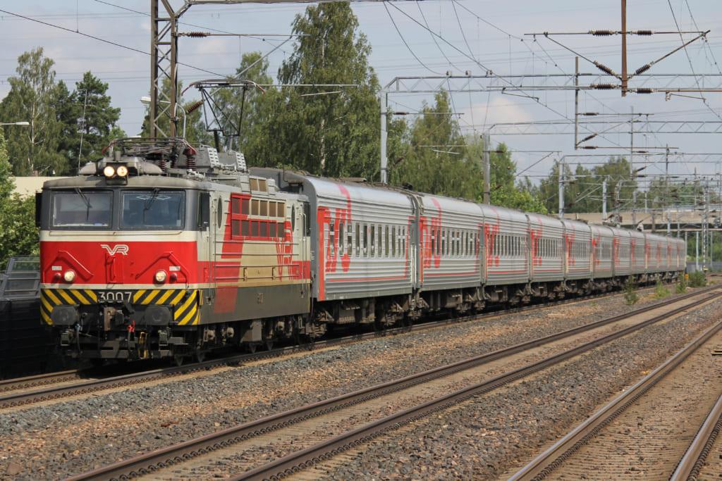 オケアン号ではなく、フィンランドとロシアの国際列車ですが、ロシアの列車のイメージ画像です