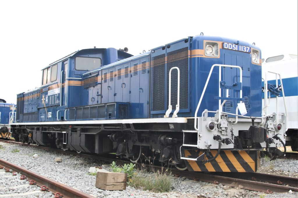 DD51-1137